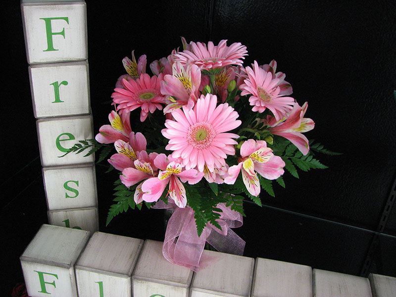 Sidney Flower Shop - visit us online or at 111 East Russell in Sidney, Ohio